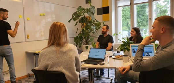 zdjęcie teamu UX-PM na warsztatach